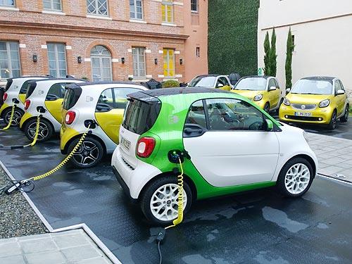 Индия планирует перейти на электромобили